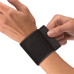 Mueller Wrist Support with Loop