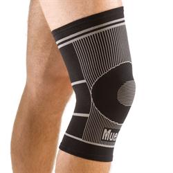 Mueller 4 Way Stretch Knee Support